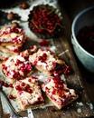 Ореховый пирог с красной смородиной