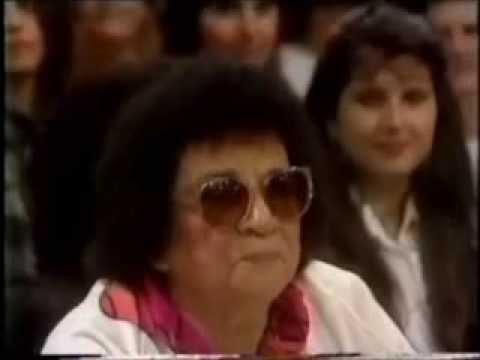 ARACY DE ALMEIDA NO SHOW DE CALOUROS DE SÍLVIO SANTOS - MOMENTOS DIVERSOS