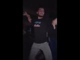 ? Novo vídeo de Dylan dançando com seus amigos. Olha o gingado!