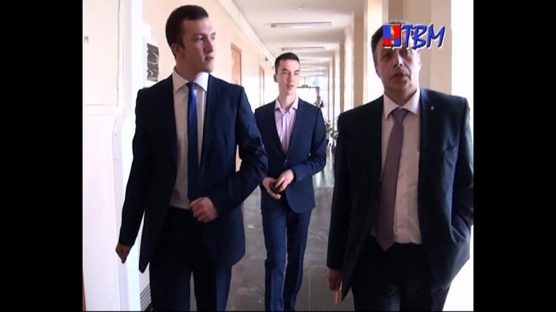 В рамках областной акции «Один день на новом месте» студенты МонПК познакомились с деятельностью главы Мончегорска.