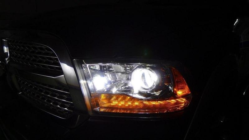 Тюнинг фар Dodge Ram 1500 Установка светодиодных би линз в фары Додж Рам. Светодиодные фары Доджа.