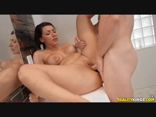 Valentina Jewels [ Ass Tits boobs booty dick Cheating Wife Hard MILF mom Natural Tits Slut Whore Shower секс порно измена жена ]
