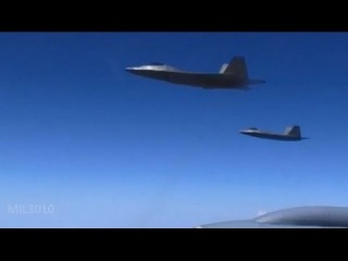 Истребители F-22 Раптор дозаправка в воздухе / F-22 Raptor refueling