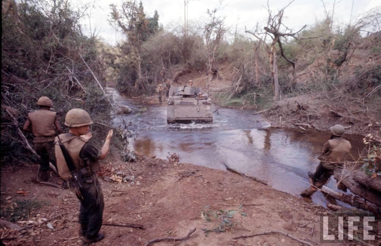 guerre du vietnam - Page 2 DZpnFEMeknE
