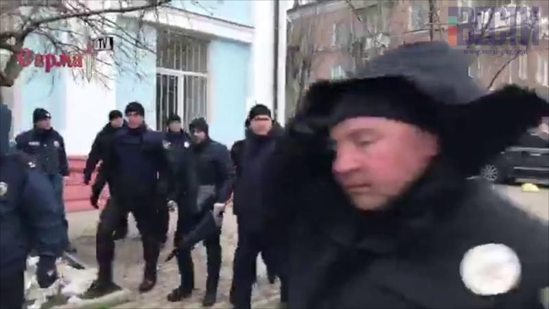 Вилкула облили зеленкой в Бердянске