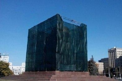 Суд признал законность сноса памятника Ленину в Харькове
