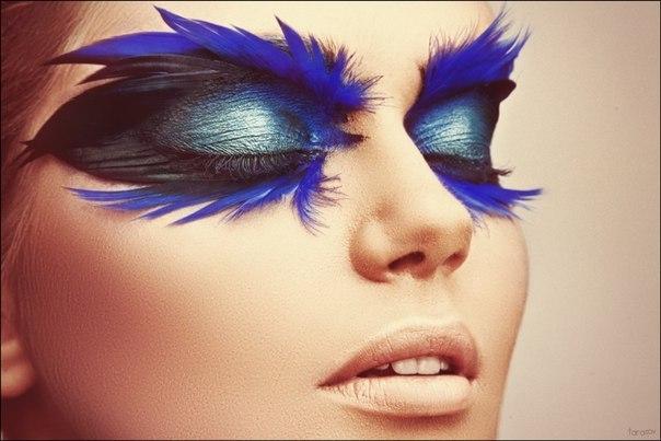 Яркий макияж с ярко выраженными глазами
