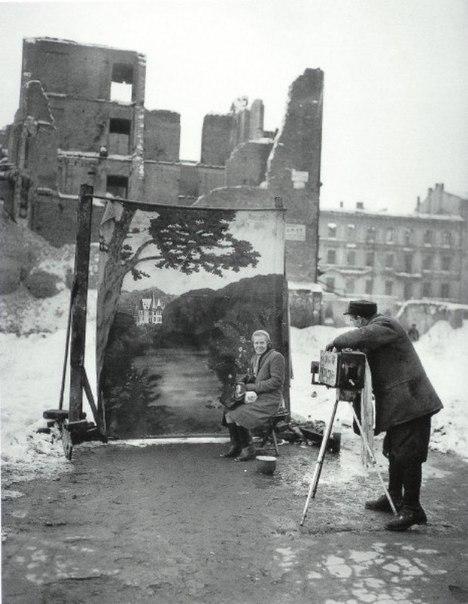 Варшава. Начало 1946 г. - история в фотографиях: http://foto-history.livejournal.com/2712252.html