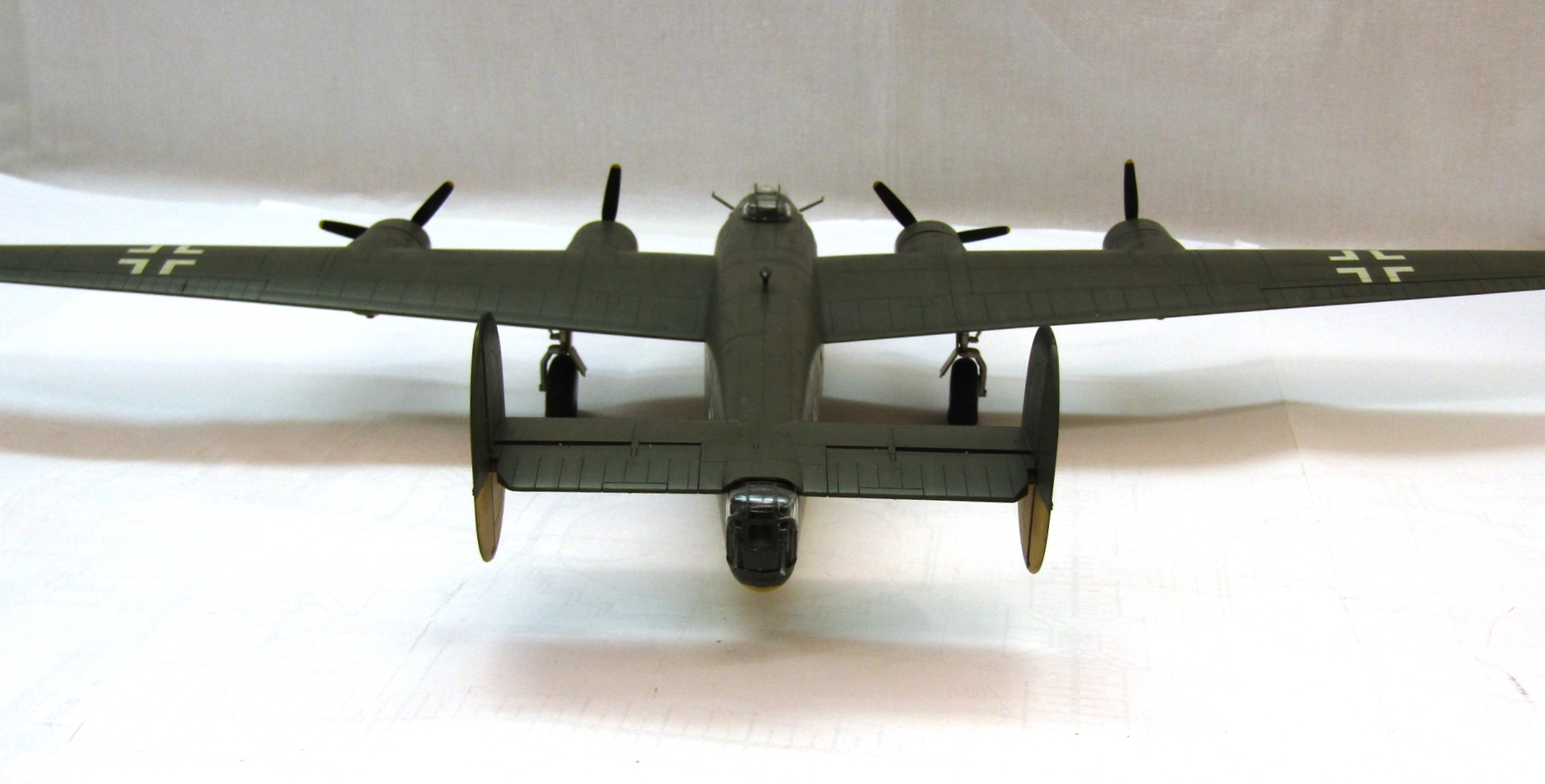 B-24H Liberator 1/72 (Academy) GgUE9-lXNRc