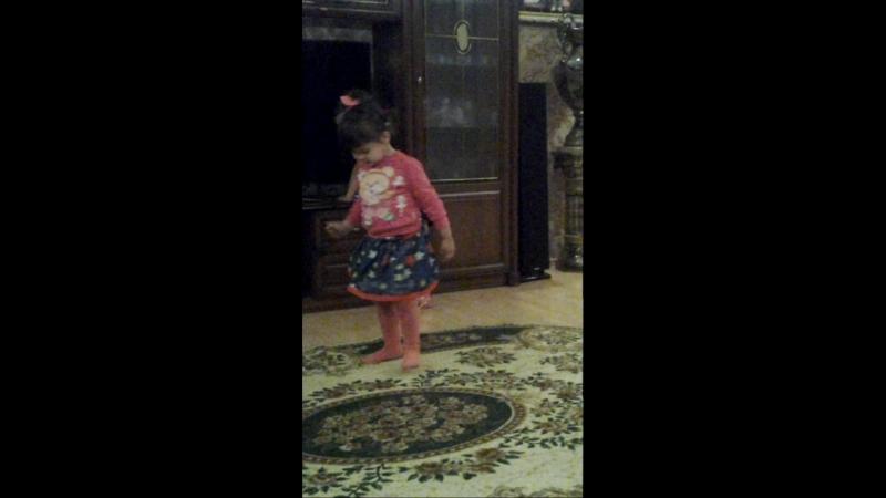 бажена танцует