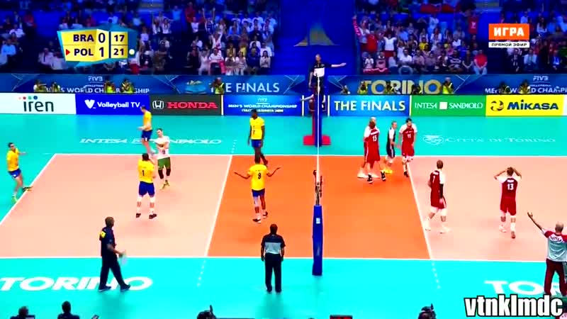 Unbelievable Kurek spike in 5 languages