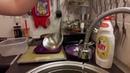 Моем посуду без химии. Салфеткой от компании GreenWay.