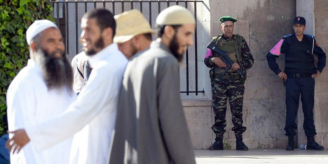 Photos de nos soldats et des Bases Marocaines - Page 2 IsX0M-kD9DQ