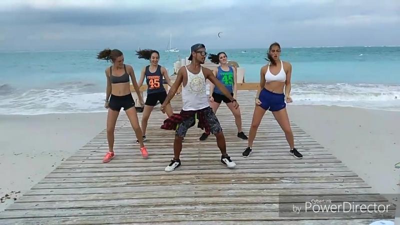 Dura - Daddy Yankee - Mao Zumba