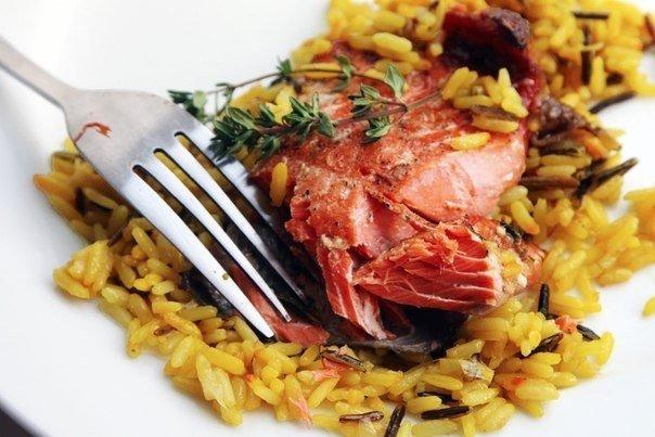 Нарядный лосось в медово-соевом соусе