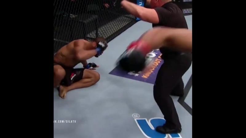 UFC_🇺🇸David_Branch🆚️Thiago_Santos🇧🇷_🔥👊Дэвид_Бранч_в_1_же_раунде_нокаутир.mp4
