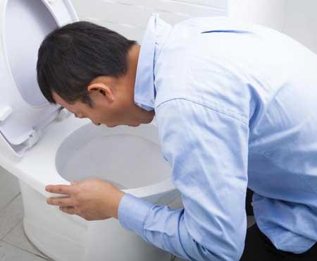 Имбирная капсула может помочь уменьшить рвоту.