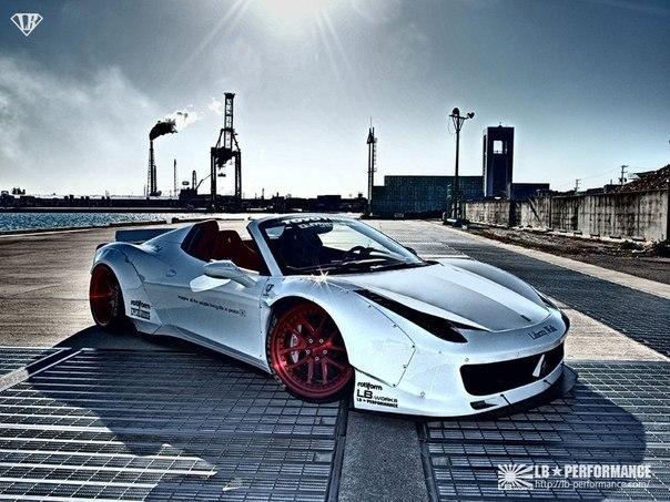 Ferrari 458 Spider.