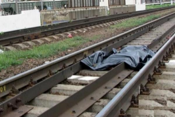 В Таганроге грузовой поезд насмерть сбил пожилого мужчину