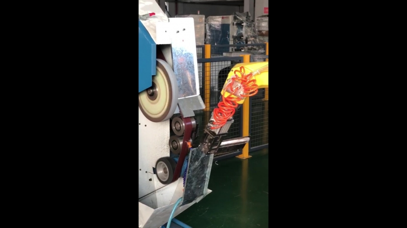 Robot polishing and grinding kitchen knife