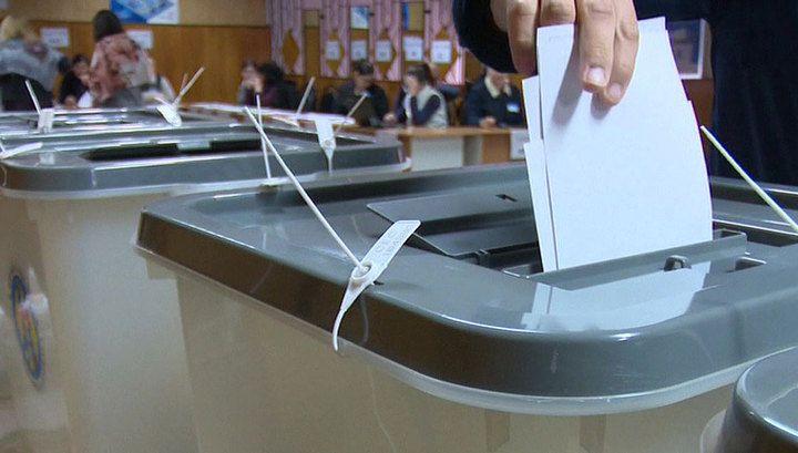 Вести Ru ЦИК Молдавии на выборах лидируют социалисты и партия серого генерала