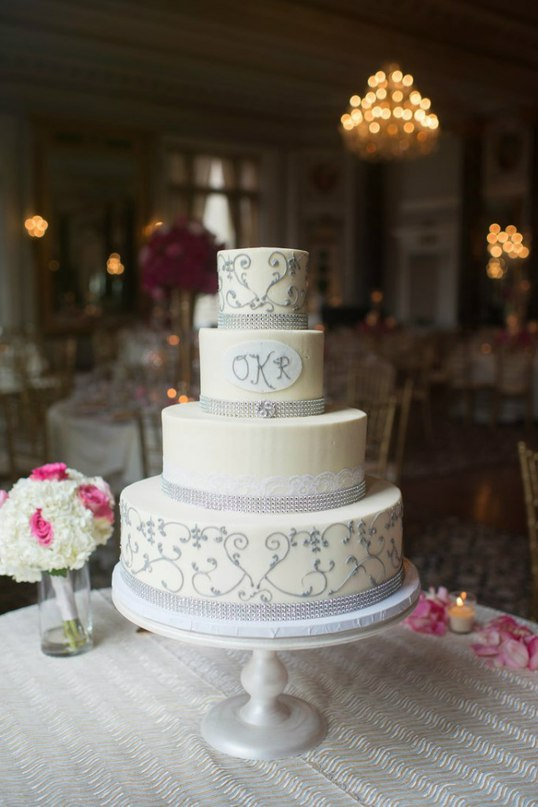 VIJfOhQtv3M - Золотые и серебряные свадебные торты 2016 (70 фото)