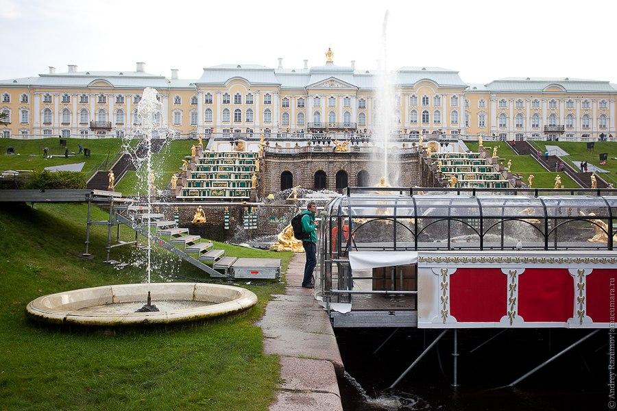 Как готовят праздник закрытия фонтанов в Петродворце