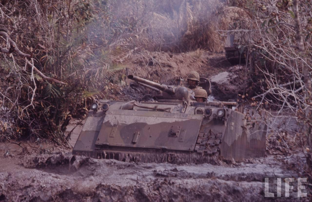 guerre du vietnam - Page 2 AeCsCP82yEM