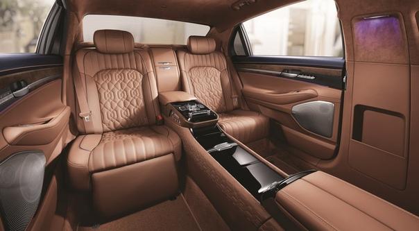 Обновлённый лимузин Genesis G90 L: с VIP-креслом и в полтора раза дешевле Майбаха. Премиальный суббренд компании Hyundai представил удлиненную версию своего флагманского седана. Как и обычная