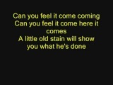 Sarah McLeod - He Doesnt Love You LYRICS