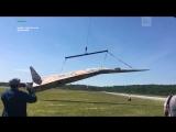 Самый большой в мире бумажный самолет подняли в воздух