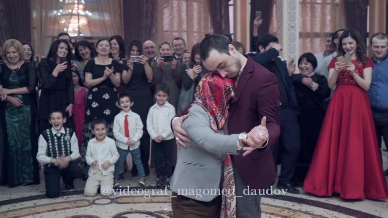 самый лучший танец на свадьбе ))