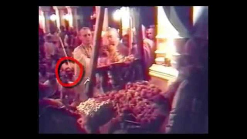 Шрила Б. Свами Прабхупада. Траурная церемония. Киртан Шрилы Нараяны Махараджа. Вриндаван. 1977 г.