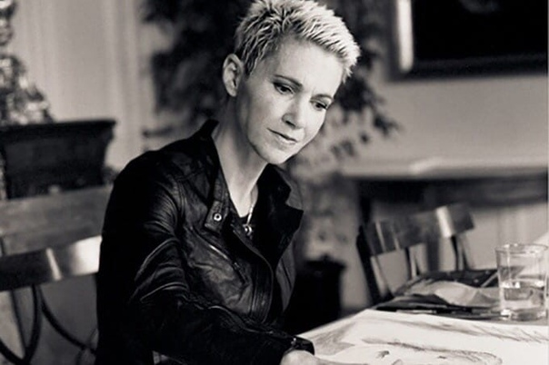 Умерла солистка шведской группы Roxette, Мари Фредрикссон, ей было 62. Причиной стала опухоль головного