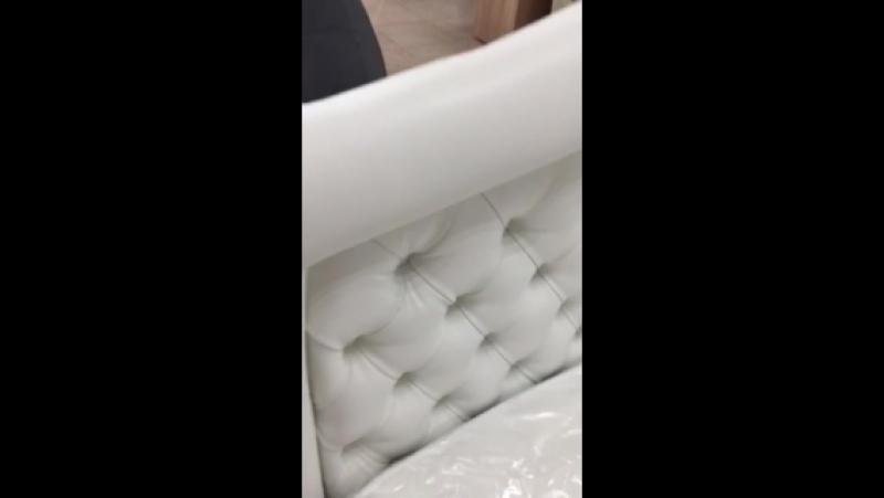 Мягкая кровать с каретной стяжкой, с подъемным механизмом, усиленный металокаркас