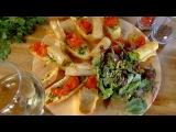 Два с половиной повара. Открытая кухня. Выпуск 9. Мода на кухне: потрясающий лосось в тесте и испанский тапас из кальмаров!