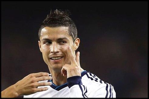 Тевес: Роналду — великий игрок, но у меня нет повода завидовать ему Нападающий Ювентуса Карлос Тевес...