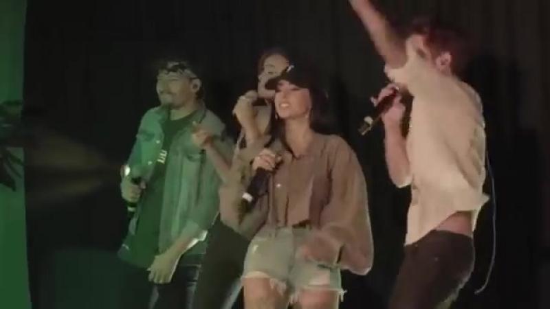 Mau y Ricky, Becky G, Leslie Grace - Mi Mala (Remix) (Live in Miami 20/07)