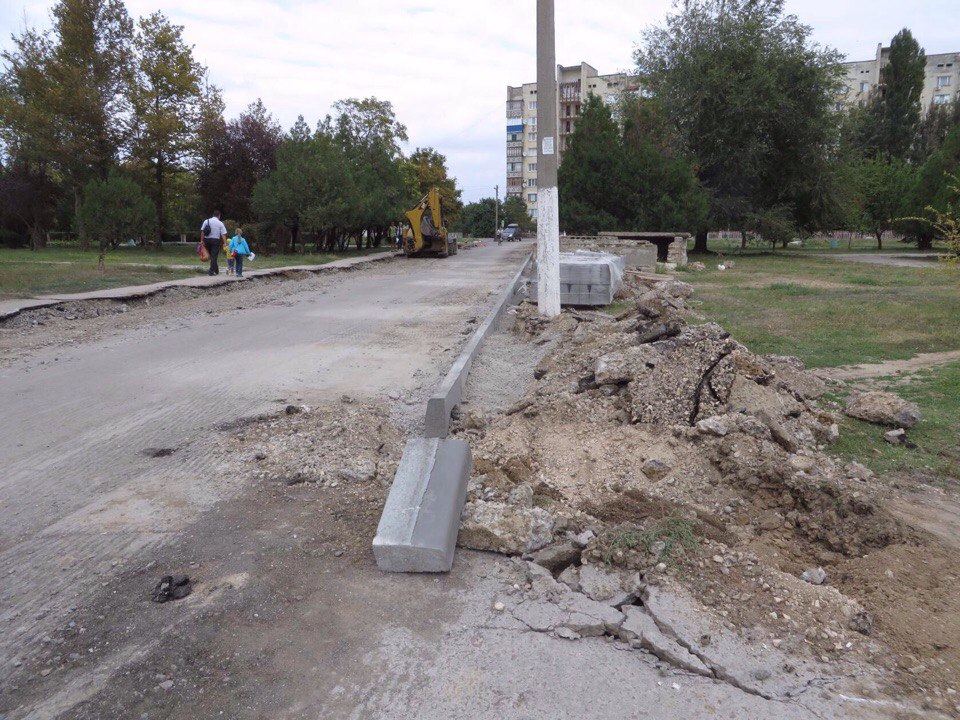 Появились первые фото строительства работ в Армянске по улице Беседина