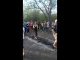 Мироненко первый раз бегает по углям))