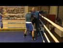 Бокс как выйти из угла, если соперник давит