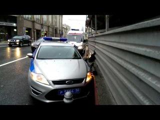 ДТП на Воздвиженке,7 полицейский Форд р5554 50 и Лексус 570 о108оо 77