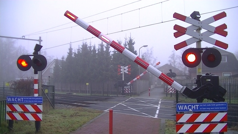 Spoorwegovergang Barneveld Dutch railroad crossing