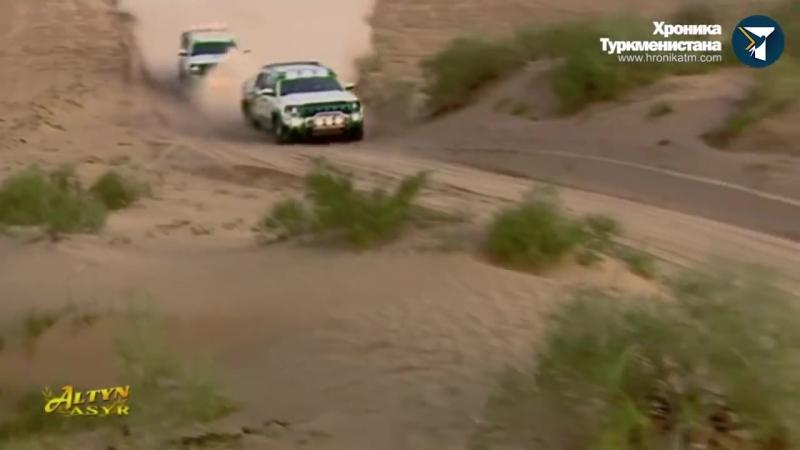 Президент Туркменистана выиграл раллийный заезд у профессионального гонщика