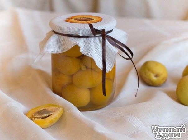 Маринованые абрикосы - Готовимся к зиме Ингредиенты абрикосы сахар лимонная кислота ваниль или корица Как приготовить Твёрдые зрелые абрикосы надрежьте и раскройте, выньте косточки. Половинки абрикос не разделяйте (можно сделать и половинками). Подготовленные абрикосы плотно уложите в стерильные банки (0,5л). В каждую баночку добавьте четверть чайной ложки лимонной кислоты (в порошке), на кончике ножа ванили, или кусочек ванильной палочки (идеальный вариант). Вскипятите литр воды, добавьте…