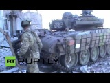 Ополченцы в аэропорту. Подбитый укропский танк.