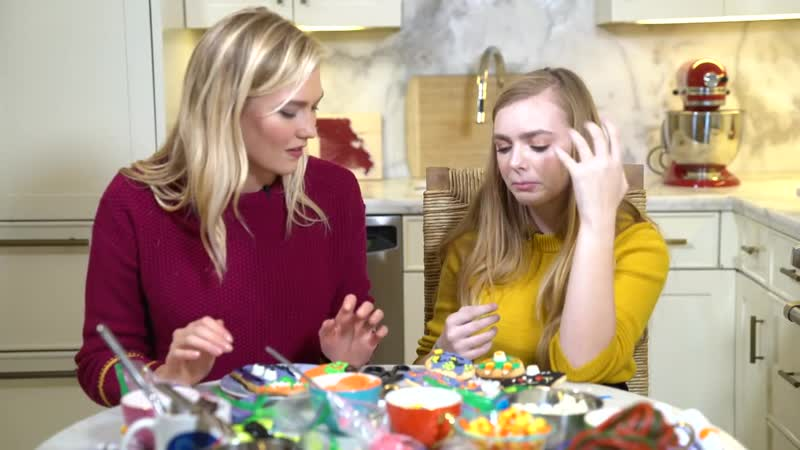 Decorating Halloween Cookies with Elsie Fisher from Eighth Grade! _ Spooky Karli