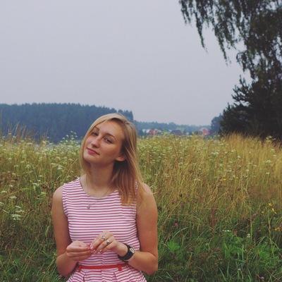 Маша Комарова