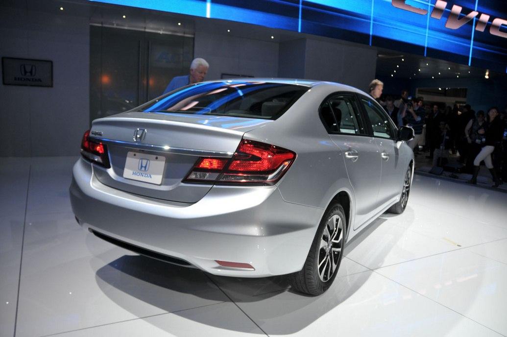 Бампер Honda Civic 4D 2013