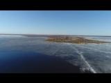 Школьники и студенты из Великого Новгорода успешно доставили дроном посылку на остров и ничего не разбили. Теперь они хотят пред